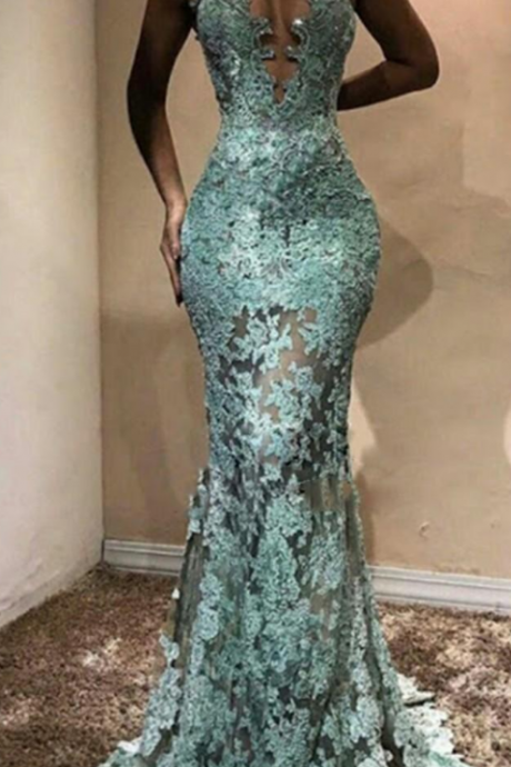Halter Sexy Mermaid Evening Gown Illusion Lace Applique Sweep Train Big Bust Prom Dress Sleeveless Plus Size Formal Dress